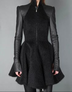 gareth-pugh-wool-coat: longer sleeves, combination of fabric, and the neckline