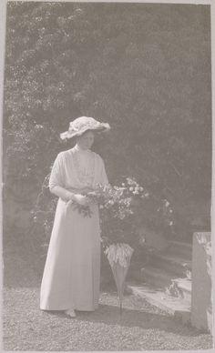 """Oreanda, Crimeia - 1914"": A Imperatriz Alexandra Feodorovna."