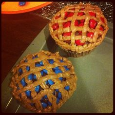 """Pie cupcakes for thanksgiving! PS: if you can't tell the """"berries"""" are m&ms"""