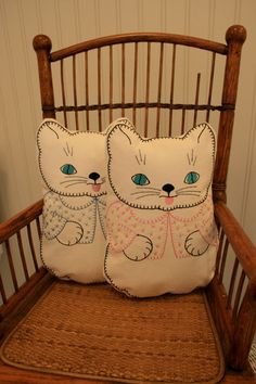 vintage inspired kitty cat pillows