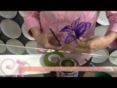 Como fazer uma linda flor clematis com resina plástica! - YouTube