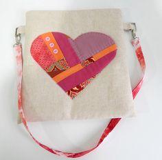 Scrappy Heart Zip Pouch | Sew Mama Sew |