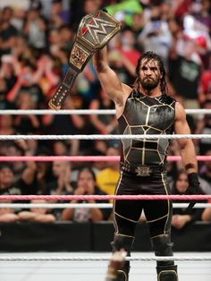 Rollins has had to vacate the WWE Title after a momentous 220 day reign. Wwe Seth Rollins, Seth Freakin Rollins, Gerard Way, Roman Reigns Dean Ambrose, Wwe Live Events, Wwe Belts, Adam Cole, Wwe World, Wwe Champions