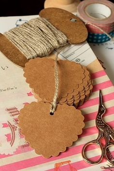 10 pcs set ECO friendly kraft paper tags with nice packaging. Ready to use.- Weight: 15g- Material: …