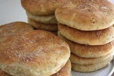 Tekakor med kruskakli och morötter Our Daily Bread, Ciabatta, Nom Nom, Cake Recipes, Rolls, Sweets, Cookies, Baking, Breakfast