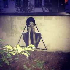 #LeeQuidArts#Lee#Quid#Qui#Streetart#street#Art#graffiti#wheatpaste#pasteupart#triangle#behindthemask#publicart#urbanart#wall#artprint#woman
