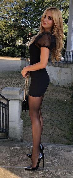 Sexy Outfits, Fashion Outfits, Womens Fashion, Classy Women, Sexy Women, Cute Dresses, Short Dresses, Women With Beautiful Legs, Beauté Blonde