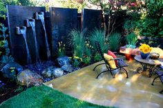 metal privacy wall / Yard Crashers 2013 (episode: Italian inspired) by Change of Seasons