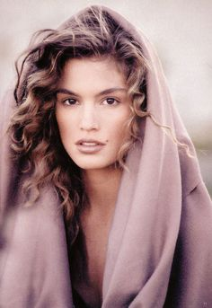 a very young Cindy Crawford .. www.fashion.net
