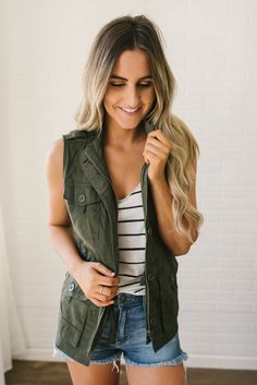 8888f5c502 37 Best Vests images | Sweater vests, Casual looks, Casual outfits