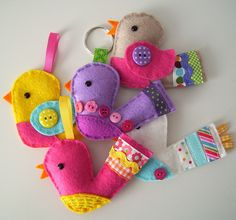 Great blog post on how to make these cute felt birds. http://paper-and-string.blogspot.com/2011/04/little-bird-tutorial-pattern.html