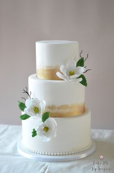 Simple white three tier wedding cakes, pink floral wedding cakes, elegant, stylish on trend cakes. Ivory and White fondant cake, iced wedding cakes. Wedding Cake Bakery, Fondant Wedding Cakes, Floral Wedding Cakes, Wedding Cakes With Flowers, Floral Cake, Wedding Cake Designs, Fondant Cakes, Wedding Cake Toppers, Wedding Cupcakes