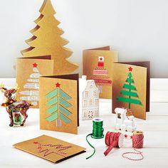 In diesen Weihnachtskarten steckt viel Liebe: Aus Pappe, Bänderresten und Masking Tape werden mit kleinem Aufwand große Kunstwerke