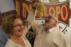 """""""La única uva que entra en casa es la Uva embolsada del Vinalopó. Nos encanta!!"""" Josefina y Víctor.    #uva #grape #embolsada #vinalopo #spain #alicante #natural"""
