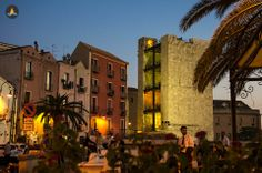"The iconic ""Torre dell'elefante"" as it appears in the evening."