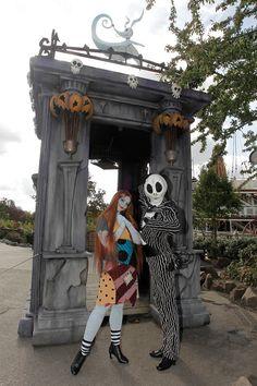 Jack & Sally wish you a happy Halloween in Frontierland at Disneyland Paris. #DLRP #DLP #Disney