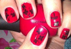 flor negra sobre rojo Nail Art, Nails, Black Flowers, Red, Finger Nails, Ongles, Nail, Nail Arts, Art Nails