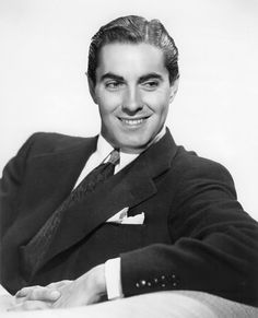 Tyrone Power 1940's version of Adam Levine without the singing.
