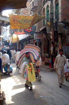 Typical scene of an inner city bazaar, Peshawar, Pakistan. (V)