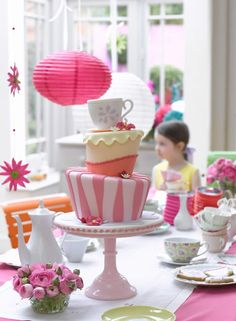 Lovely Alice and Wonderland Tea Party Topsy Turvy Cake ~ Cake Decorating at home by Zoe Clark