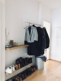 Simple, open wardrobe for the hallway - or as an open wardrobe. Simple, open wardrobe for the hallway - or as an open wardrobe. Open Wardrobe, Diy Wardrobe, Simple Wardrobe, Hall Wardrobe, Room Inspiration, Interior Inspiration, Home Design, Interior Design, Farmhouse Side Table