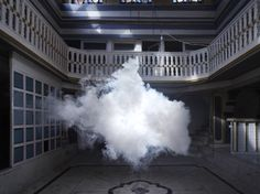 Nederlandse kunstenaar maakt wolken in de binnenkant van gebouwen