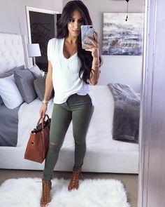 Pin by Sarah Kresch on Outfits & Such in 2019 Look Fashion, Autumn Fashion, Fashion Outfits, Womens Fashion, Looks Chic, Casual Looks, Fall Winter Outfits, Summer Outfits, October Outfits