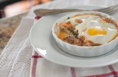Italian Baked Eggs for a delicious Whole30 breakfast (or lunch or dinner) #paleo #glutenfree