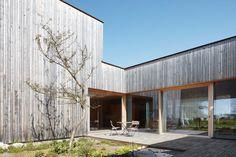 Cukrowicz Nachbaur Architekten: Wohnhaus F Dornbirn — Thisispaper — What we save, saves us.