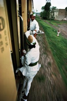 Beautiful Photos of India's Culturally Rich Railroads - My Modern Metropolis