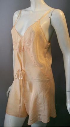 Dorotheas Closet Vintage 30s lingerie chemise