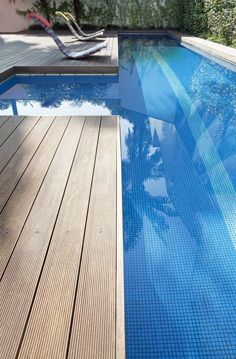 Tree decking right up to pool edge