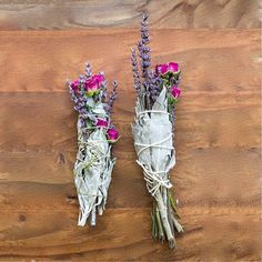 These DIY sage, lavender and rose smudge sticks are something else. So beautiful.  By @thechalkboardmag #sage #lavender #rose #sagesmudgestick #energy #diy #intuitiveliving #thelittlesage