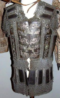 Moro (Philippine, Mindanao) mail and plate armor, century, protection for… Arm Armor, Body Armor, Battle Dress, Filipiniana, Leather Armor, Armours, Medieval Armor, Chain Mail, Pinoy
