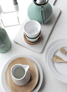 designed kitchenware from Eva Solo Part I in the Granite Green colour… Danish Interior, Scandinavian Kitchen, Scandinavian Interiors, Tea Tray, Prop Styling, Futuristic Furniture, Wooden Cabinets, Wood Interiors, Wooden Kitchen