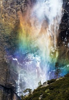 Rainbow Falls - Upper Yosemite Falls, Yosemite National Park, California
