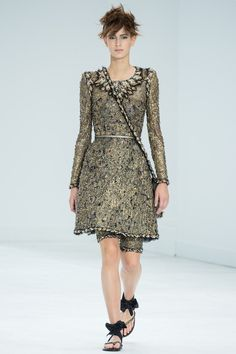 Chanel Fall 2014 Couture Karl Largerfeld mastered the art of the neckline in this collection