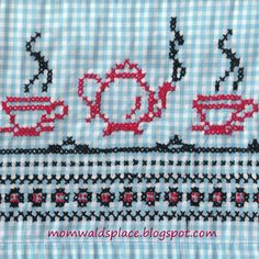 Mom Wald's Place: Vintage Chicken Scratch Gingham Aprons with a Pattern to Use