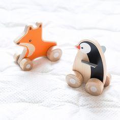 • Renard à roulettes en bois et Pingouin à roulettes en bois Plan toys • Couverture imprimé micro-pois Liewood •