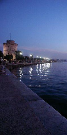 Thesaloniki seafront by night #kitsakis