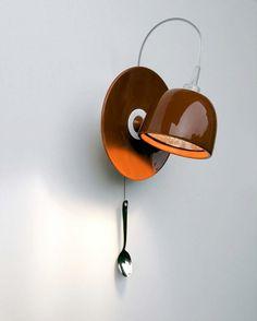 Une tasse + une sous-tasse + une petite cuillère = une lampe
