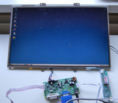 Use a salvage LCD screen from a computer via Arduino Diy Tech, Cool Tech, Monitor Pc, Rasberry Pi, Raspberry Pi Projects, Ideias Diy, Computer Technology, Computer Diy, Computer Literacy