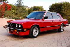 Back when BMWs were light and sporty= 1987 BMW 535is E28 Red