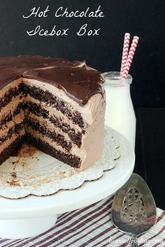 Hot Chocolate Icebox Cake (Boxed Chocolate Cake with Sour Cream. With Layers of, & Frosted with Hot Chocolate Whipped Cream & Topped with Dark Chocolate Ganache.) l Beyond Frosting Frozen Desserts, Just Desserts, Delicious Desserts, Summer Desserts, Icebox Cake Recipes, Dessert Recipes, Icebox Desserts, Yummy Treats, Sweet Treats