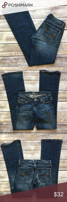 """Miss Me Boot Cut Jeans Miss me boot Cut Jeans size 26. Front rise 8""""/back rise 10"""" inseam 33"""". The bottom hem is worn out a bit Miss Me Jeans Boot Cut"""