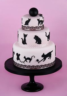 Cat silouette cake -  For all your cake decorating supplies, please visit craftcompany.co.uk