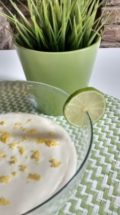 Lime Mousse Sunday In London, Sunny Days, Mousse, Delicious Desserts, Lime, Cooking, Food, Kitchen, Limes