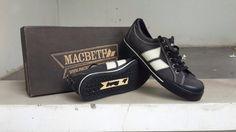 Macbeth Eliot Black/Cement Canvas