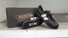 Macbeth Eliot Black/Cement Canvas