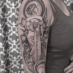 32 ideas for art nouveau tattoo floral flower Art Nouveau Tattoo, Tatuagem Art Nouveau, Aphrodite Tattoo, Goddess Tattoo, Body Art Tattoos, New Tattoos, Sleeve Tattoos, Tattoo Art, Greek Mythology Tattoos